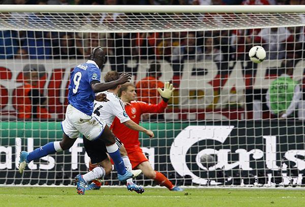 Balotelli gol Italia Germania 2012