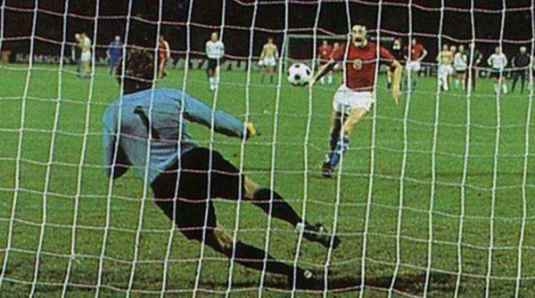 Europeo 1976: Panenka e il cucchiaio d'oro