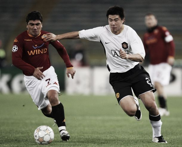 Dong Fangzhuo Manchester United vs. Pizarro (Roma)