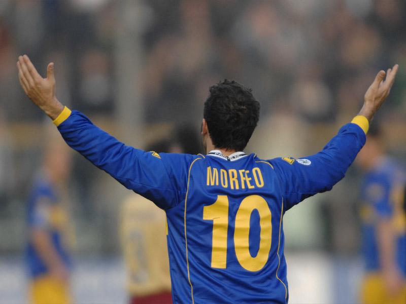 Domenico Morfeo e la sua numero 10 a Parma