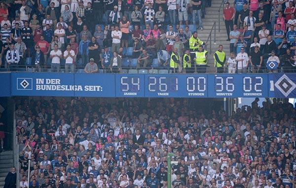 La storia dell'orologio del Volksparkstadion di Amburgo