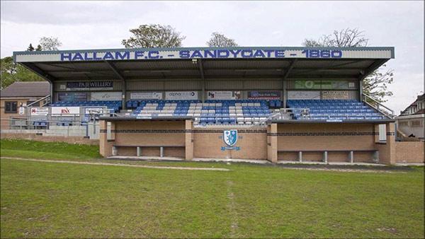 Tribuna del Sandygate Road, casa dell'Hallam FC